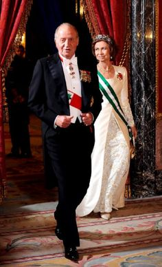 King Juan Carlos of Spain and Queen Sofia of Spain attend a Gala Dinner honouring Lebanon President Michel Suleiman at the Royal Palace on 19 Oct 2009 in Madrid