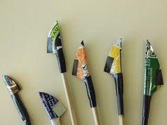 Cursus calligraphique : Capitales bâton à la plume palette et au colapen Mark Making, Paper Art, Fonts, Palette, Calligraphy, Lettering, Kids, Feather, Projects