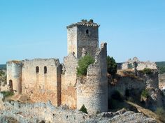 Ucero-Castillo - List of castles in Spain - Wikipedia Castle Ruins, Medieval Castle, Beautiful Castles, Spain And Portugal, Fortification, Barcelona Cathedral, Europe, Architecture, World