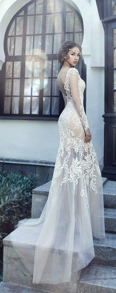 http://www.deerpearlflowers.com/milva-wedding-dresses/3/