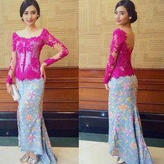 "Have a graduation event and still confuse what to wear? You can try this Reference kebaya 2 pieces with brocade and batik fabrics . . Contact person : 1st Hand Dress Maker ""Kiky Vinola"" the label BBM : 54AAD185 Whtsapp: 081511231375 Line:  @run7199r (ketik @ nya ya) SEMARANG  #kebayakikyvinola #dresses #qualityfabrics #eveningdress #kebaya #inspirasikebaya #gaunpesta #gaunkebaya  #kebaya #kebayawisuda #prewed #kebayahijab #kebayagaun #gaun #dress #kebayaonline #kebayainspiration…"