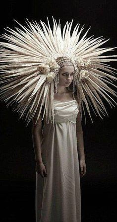 This headdress is out of control. I love it! #headdress #gorgeous