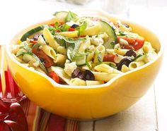 Greek Pasta Salad:Toss fresh herbs, veggies, and olives with pasta for a sprightly side salad. Feta cheese gives the recipe a tangy finish. Greek Pasta Salad 12345 Makes: 12 servings Yield: 12 to 16 side-dish servings Prep: 40 mins Chill: 2 hrs to 24 hrs Greek Salad Pasta, Easy Pasta Salad, Pasta Salad Recipes, Tuna Pasta, Macaroni Salad, Tuna Salad, Chicken Salad, Grilled Chicken, Salad Bar
