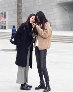 45 Comfy Casual Winter Streetwear for Girl Outfits Otoño, Casual Outfits, Fashion Outfits, Fashion Models, Korea Street Style, Long Puffer Coat, Japanese Streetwear, Comfy Casual, Unisex Fashion