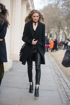 An All-Black Outfit With a Long Blazer, Leather Trousers, and Ankle Boots