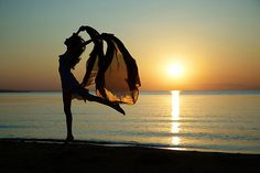 Nature Divas Do....dance in the sunset glow!  @vivalavoice