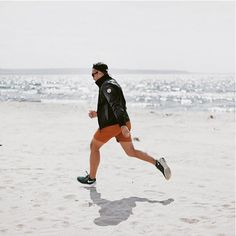 take a run on the beach with canada goose jacket #outdoor #menswear