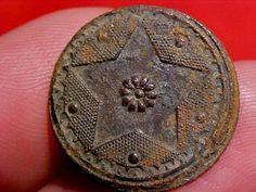 18th Century Dug Colonial Star Button