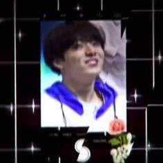 #Jungkook Bts Jungkook, Bts Maknae Line, Bts Video, Foto E Video, Jung Hoseok, Bts Memes, Foto Bts, Kpop Gifs, Bts Funny Videos