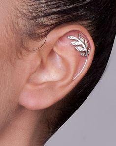 Silver Leaves Cartilage Earring ear cuff por shirliclassicjewelry