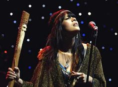 Bat For Lashes in concert.