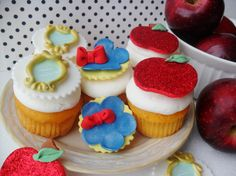 1 Dozen Snow White Inspired Fondant Cupcake by LeSugarBoutique Snow White Cake, 30th Birthday, Birthday Ideas, Fondant Cupcake Toppers, Princess Party, Food To Make, Tart, Pudding, Cup Cakes