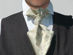 Elegant wedding neck tie off white, pure silk jacquard, vintage romantic look, little floral pattern for a handsome groom, summer wedding