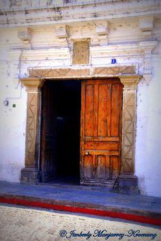 I love wooden doors