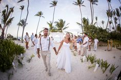 "Dream wedding in Punta Cana! Evelyn Heredia and Agustin Carro Schuck, with love, emotion and happiness, pursued a dream and made it a reality. Paulo Coelho in his book The Alchemist in a sentence said: ""When you really want something, the whole universe conspires to make your wish... Niko Bertino Photography #PuntaCanaBoda #WeddingPuntaCana"