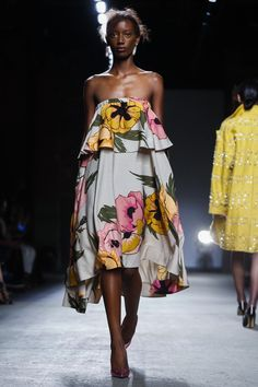 Tracy Reese Ready To Wear Spring Summer 2016 New York Casual Dresses, Fashion Dresses, Check Dress, Tracy Reese, Haute Couture Fashion, Cute Woman, Spring Summer 2016, Live Fashion, Pretty Outfits