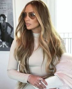 Jennifer Lopez long hair blonde balayage – My Great Pins Hair Lights, Light Hair, Jlo Glow, Jennifer Lopez Hair Color, Jennifer Lopez Short Hair, Celebrity Hair Colors, Hair Color Caramel, Blonde Balayage, Balayage Color