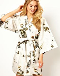 Kiku Enchanted Crane Short Kimono - This Kimono style robe would be an amazing addition to a vintage cream bra & panty set. Latest Fashion Clothes, Fashion Outfits, Cute Kimonos, Asos, Nightgowns For Women, Short Kimono, Up Girl, Clothing Co, Playing Dress Up
