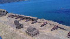 """El Fuerte de Niebla: llamado """"Castillo de la Pura y Limpia Concepción de Manforte de Lemus""""), ocupa la punta norte de la bahía de Niebla, a 17 Kms. al SO. de Valdivia. Es una de las fortificaciones del sistema de fuertes de Valdivia que se construyó en el año 1671 en el estuario del río Valdivia. El terremoto de 1737 arruinó completamente la fortaleza siendo reconstruida por orden de Manso de Velasco. Fue declarado monumento nacional el 14 de junio de 1950.#ChileLindo"""