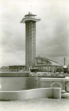 Dieergaarde Blijdorp met de Rivierrahal. De toren is niet meer.