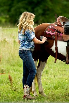 Me and my friends do this ALL THE TIME! But there's one thing that we don't do in this picture ~Use a saddle~ we are ALWAYS bareback!!