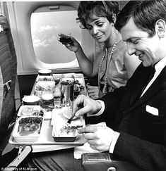 Before bland meals in economy, overpriced booze and plastic forks: Fascinating photos reveal what it was like to eat on a plane at height of air travel's glory days Europe Travel Tips, Travel News, Europe Packing, Traveling Europe, Backpacking Europe, Packing Lists, Travel Hacks, Travel Packing, Travel Essentials