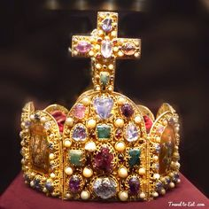 Imperial Crown of the Holy Roman Empire. Schatzkammer. Vienna, Austria