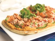 Easy-to-make, colourful and delicious, these open-faced Naan make a quick lunch. This salmon and roasted pepper hummus recipe tastes amazing on Naan bread. Sockeye Salmon Recipes, Healthy Salmon Recipes, Fish Recipes, Seafood Recipes, Appetizer Recipes, Great Recipes, Healthy Snacks, Cooking Recipes, Appetizers