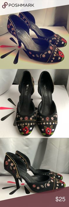 Black Hippie D'Orsay Pumps 👠 Sz 8 - Vintage! Rock these embroidered and sequined flowery 3-inch heels 👠 the next time you do tapas 🥘 with your squad. Super comfy D'Orsay style, I promise you'll be asked where you found them. Lightly used in black faux suede. Two Lips Shoes Heels