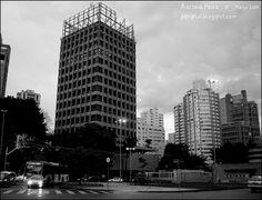 Brigadeiro Faria Lima Avenue, Sao Paulo, Brazil. Photo by Adriana Paiva (2008).