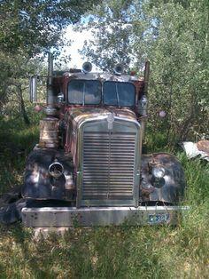 Big Rig Trucks, Semi Trucks, Cool Trucks, Antique Trucks, Vintage Trucks, Antique Cars, Kenworth Trucks, Peterbilt, Customised Trucks