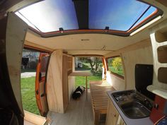 fourgon-amenage-volkswagen-t4 Van Interior, Camper Interior, Transporteur T5, Astuces Camping-car, Van Vw, T4 Camper, T4 Transporter, Vw T4, Camper Van Conversion Diy