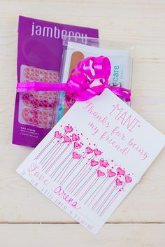 Make a Valentine's Day Manicure Gift Set with this free printable! Add in some Jamberry nail wraps for a present any girl would love to get!
