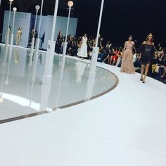 The best way of ending the first day of London Fashion Week: the Ralph & Russo debut in ready-to-wear. Amazing. #lfw #london #ralphrusso #ss18 #ss18collection #readytowear #pretaporter #pretaporterfemme #glamour #elegance #chic #fashionshow #sfilata #sfilatadimoda #primaveraestate2018 #londra #londra2017  via COLLEZIONI MAGAZINE OFFICIAL INSTAGRAM - Celebrity  Fashion  Haute Couture  Advertising  Culture  Beauty  Editorial Photography  Magazine Covers  Supermodels  Runway Models