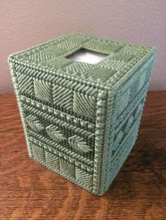 Gorgeous! Tissue Box Cover Metallic Boxed Clover With Circle Opening
