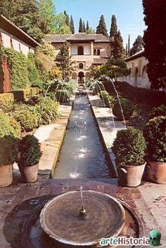 The Garden of Generalife / La Alhambra / Granada / Espagna