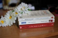 """Mes lectures de l'été : """"La première chose qu'on regarde"""" de Grégoire Delacourt, """"Demain j'arrête !"""" de Gilles Legardinier, """"Ce livre devrait me permettre de résoudre le conflit au Proche-Orient, d'avoir mon diplôme et de trouver une femme tome 1"""" de Sylvain Mazas   Vickie in the sky - Blog lifestyle mode beauté - Rennes"""