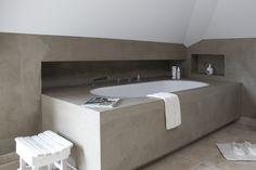 Prachtig ligbad van Betonlookdesign www.betonlookdesign.nl
