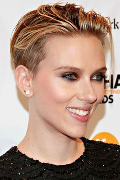 So She Secretly Got Married???Scarlett Johansson's Hair Is the Big News Here