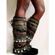 Post com de 99 Ideias de Looks e Acessórios Lollapalooza 2018 Gypsy Style, Boho Gypsy, Hippie Style, Boots Boho, Gypsy Boots, Diy Fashion, Fashion Boots, Boot Bracelet, Boot Jewelry