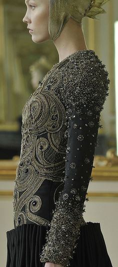 Alexander McQueen black and grey Sparkling sequin, beaded and crystal jewel encrusted dress (runway couture gown) Couture Details, Fashion Details, Look Fashion, Fashion Art, High Fashion, Womens Fashion, Fashion Design, Alexander Mcqueen, Mode Chic