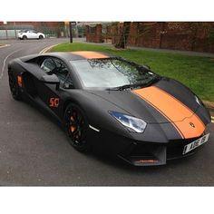 Black and orange Aventador #Lambo #speedstripes