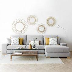 Cómo combinar un sofá gris: Colores para pared y cojines A gray sofa that combines cushions in gray and yellow tones Dining Room Walls, Living Room Sofa, Home Living Room, Interior Design Living Room, Living Room Designs, Living Room Decor, Bedroom Decor, Sofa Design, Sofa Gris