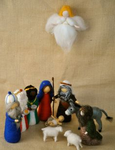 Christmas Scene Waldorf inspired needle felted dolls: Nativity set (11 pieces).Made to order.