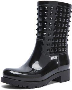 9d8a5e064866e6 Valentino Rockstud Rainboots - Lyst Valentino Black