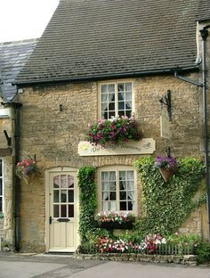 flowersgardenlove:  Bibury tearoom, The Flowers Garden Love