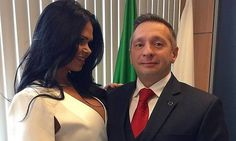 Escàndol polític al Brasil de la mà de Miss Bumbum #DilmaRoussef #Política #MilenaSantos #Brasil #MissBumbum