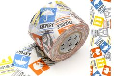 Le MASKING TAPE mt est un ruban décoratif en papier de mûrier, inventé en 2006 par l'entreprise familiale japonaise KAMOI KAKOSHI.