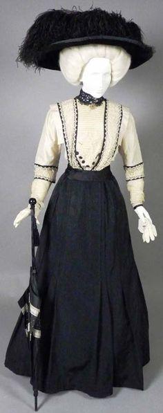 Afternoon Dress, 1907-8. Black silk faille, cream ...