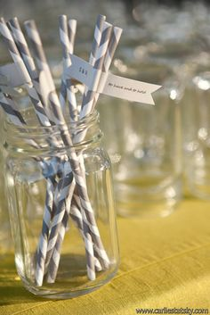 It's all about the details! Love this grey and white striped straws with flag details!